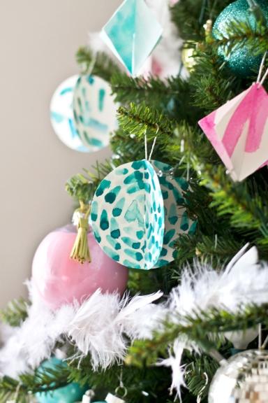 blue-yellow-pink-christmas-tree-3